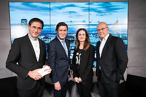 V.l.n.r.: Gerhard Koller (W24-Moderator), Peter Hanke (Stadtrat für Finanzen, Wirtschaft, Digitalisierung und Internationales), Sylvia Dellantonio (Geschäftsführerin willhaben), Frank Hensel (Aufsichtsrat REWE International)