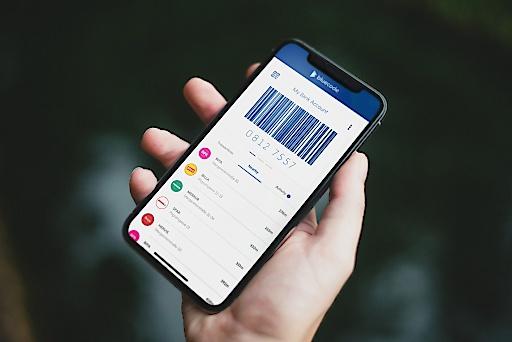 Bluecode ermöglicht mobiles Bezahlen per iPhone und Android-Smartphone in Verbindung mit digitalen Mehrwertservices