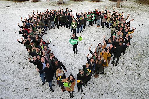 Erich Neuhold und das ST-Kernteam des Steiermark-Frühlings mit den steirischen Partnern beim Brücklwirt in Niklasdorf