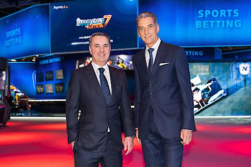Mag. Thomas Graf (CEO Greentube) und Mag. Harald Neumann (CEO NOVOMATIC) auf der weltgrößten Glücksspielmesse ICE Totally Gaming 2020 in London.