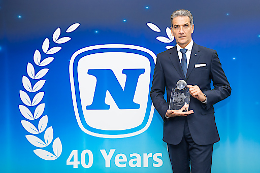 "Mag. Harald Neumann mit ""Casino Supplier of the Year""-Award"