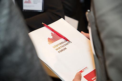 Treffpunkt für Unternehmer und Entscheidungsträger – Erfolgsstrategien in turbulenten Zeiten – Spitzenprogramm mit 5 hochrangigen Vortragenden – Messe Bozen. Frühbucherbonus bis FR 28.02.2020