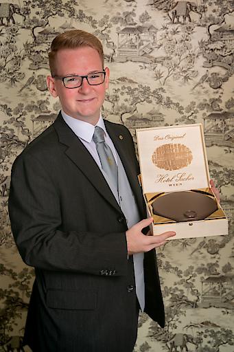 Nikola Farkas aus dem Hotel Sacher Wien ist der beste Rezeptionist der Welt