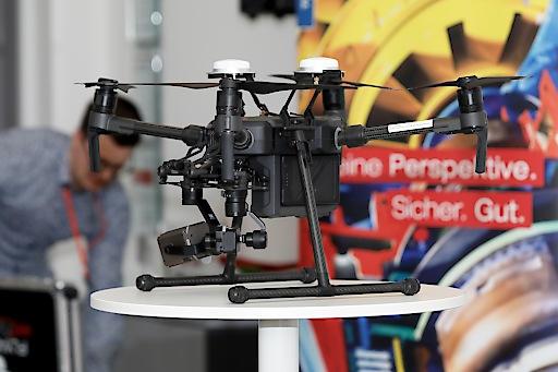 Das war der TÜV AUSTRIA Tag der Werkstoff- und Schweißtechnik am 30.1.: Drohneninspektion als sichere und zuverlässige Methode. Die Drohnen liefern sowohl Innenaufnahmen von Kleinstbauteilen als auch Luftbildaufnahmen von Industrieanlagen, und das in hoher Auflösung. tuv-akademie.at/werkstofftechnik | tuvaustria.com/werkstoff