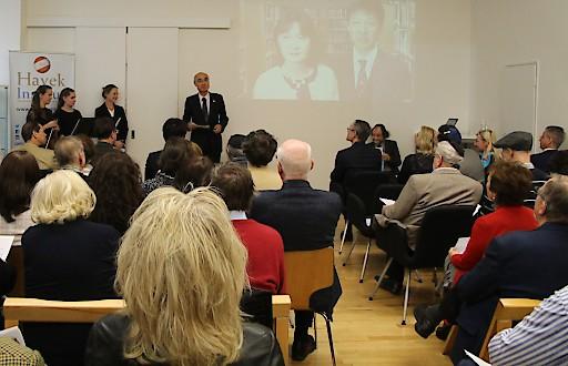 Vortrag von Robert Kratz über Chiune Sugihara