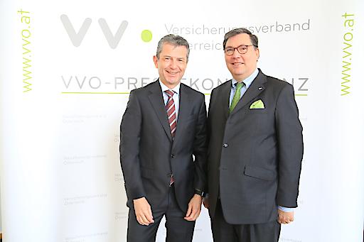 https://www.apa-fotoservice.at/galerie/20575 Im Bild v.l.n.r.: VVO-Präsident Mag. Kurt Svoboda; VVO-Generalsekretär Dr. Louis Norman-Audenhove