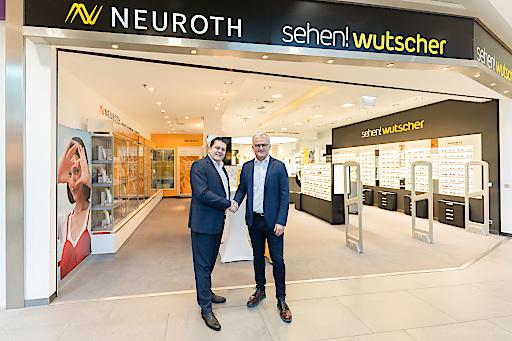 Lukas Schinko, Vorstandsvorsitzender von Neuroth und Fritz Wutscher, Inhaber und Geschäftsführer von sehen!wutscher