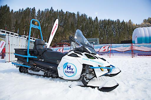 Lynx HySnow - Das erste mit Wasserstoff-Brennstoffzellen betriebene Schneefahrzeug aus dem Hause Rotax.