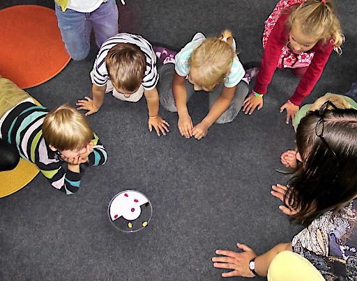 Bei Kinderbetreuungsengpass: Task Force Family Business hilft unter 0800 20 20 99!