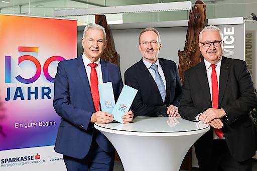 Die Sparkasse Herzogenburg-Neulengbach Bank AG feiert 2020 ihr 150-jähriges Jubiläum - hier im Bild (v.l.n.r.) Vorsitzender des Vorstandes Walter Dörflinger, Präsident des Aufsichtsrates Dr. Harald Gruber sowie Vorstand Friedrich Stefan.