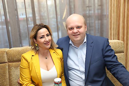 """Unternehmer Christoph Holubar, mit seiner Frau Aurora Cardos. Die beiden hatten während der COVID-19 Krise die Idee zur Initiative """"Österreich Paket""""."""