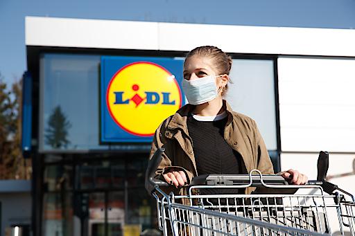 Lidl Österreich stellt flächendeckend kostenlose MNS-Masken und Handschuhe zur Verfügung.