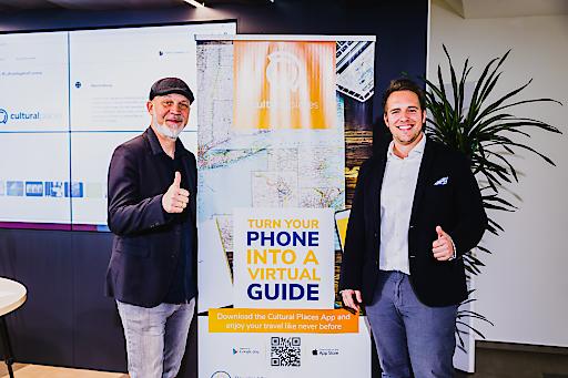 Erich Fenninger (Direktor Volkshilfe Österreich) Patrick Tomelitisch (CEO OROUNDO Mobile GmbH)