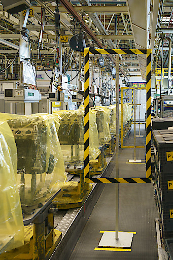 Groupe PSA Wien-Aspern - Schutz der Mitarbeiter in der Produktion durch Plexiglastafeln
