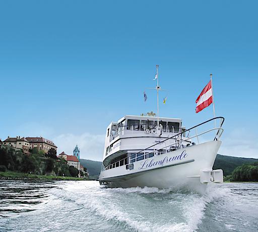 MS Austria vor Dürnstein