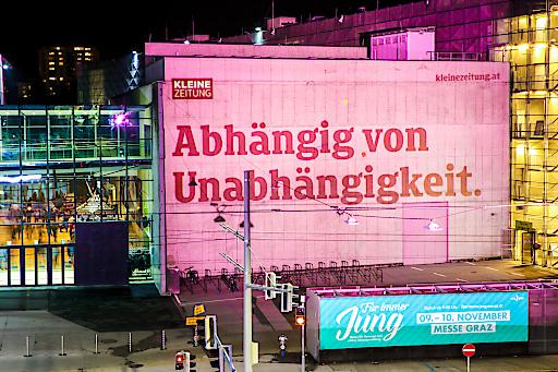 Projektion, Styria Center, KLZ Kampagne, rosa Styria Center, Stefan Pajman, ballguide, Graz am 17.11.2019