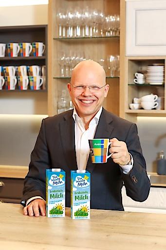 """Maresi-Geschäftsführer Dr. Andreas Nentwich ruft gemeinsam mit designaustria einen Designwettbewerb für die neue Verpackung von """"Die leichte Muh Frühstücksmilch 1L"""" aus."""