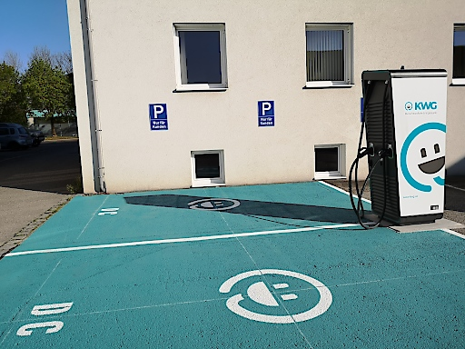 KWG investiert in die Elektromobilität, hier unter anderem in den Hypercharger