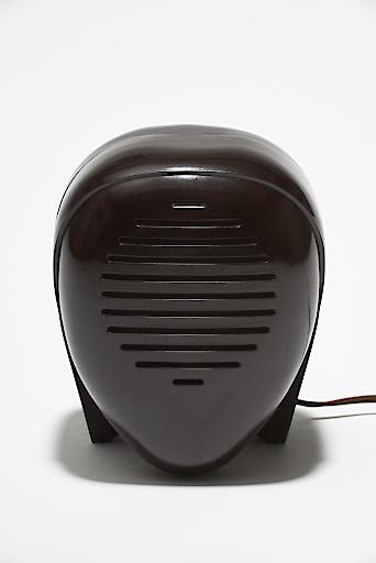 """Babyfon """"Zenith Radio Nurse"""", 1938 Entwurf: Isamu Noguchi; Ausführung: Zenith Radio, USA; Sammlung Kargl © The Noguchi Museum / ARS."""