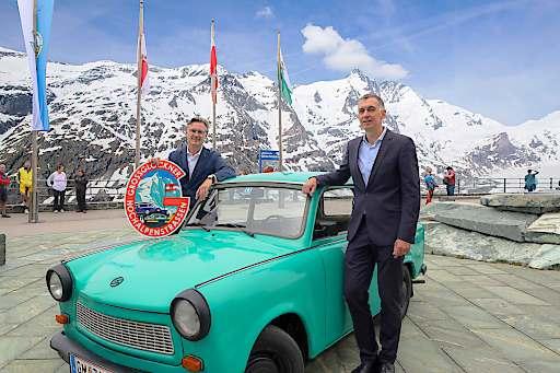 Im Bild v.l.n.r.: Dr. Johannes Hörl (Vorstand Großglockner Hochalpenstraßen AG) und Ralf Beste (Botschafter Bundesrepublik Deutschland in Österreich)