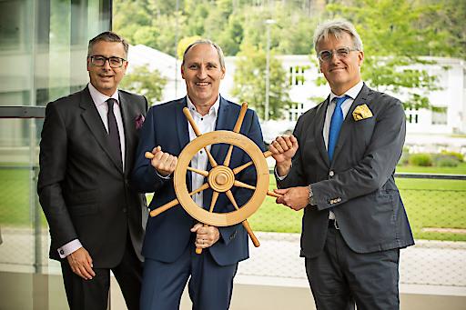 (v.re.) Scheidender Berndorf AG-Vorstandsvorsitzender Peter Pichler mit seinem Nachfolger als CEO Franz Viehböck und Vorstand Dietmar Müller.