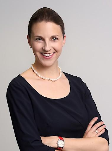 Mag. (FH) Luzia Derflinger ist Communication Manager bei Sanofi Österreich
