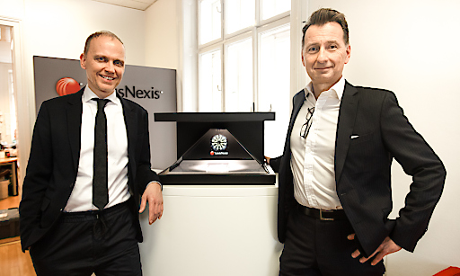 LexisNexis bringt Legal Intelligence für die Steuerberatung. LexisNexis' Andreas Geyrecker und Paul Kampusch vor dem Digital Impuls Award
