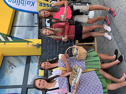 Jeden Montag verwandelt sich die Bergstation am Hauser Kaibling in einen gemütlichen Bauernmarkt. Tauche ein in die Welt der Ennstaler/innen, für den Gaumen gibt es regionale Produkte, für das Auge handgefertigte Dekostücke aus Wolle, Holz, Keramik uvm.