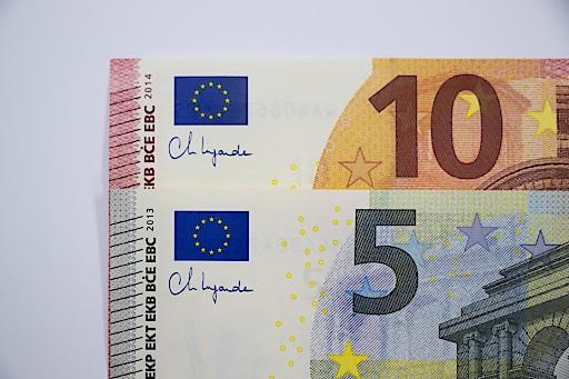 5-EUR und 10-EUR-Banknoten mit Unterschrift von EZB-Präsidentin Christine Lagarde ab sofort in Umlauf