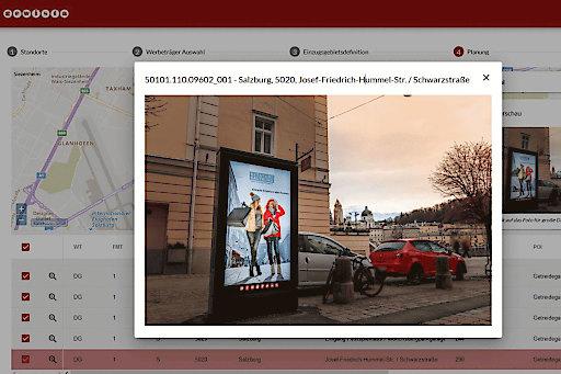 Klickt man die vorgeschlagenen Werbeträger bzw. Punkte auf der digitalen Karte an, öffnet sich ein Foto des Standortes.