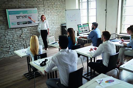 BILD zu OTS – Professionelles Präsentieren und Managen will gelernt sein. Aus diesem Grund nimmt die HLW Steyr presono ab Herbst 2020 in den Lehrplan auf. (Bild für Print)