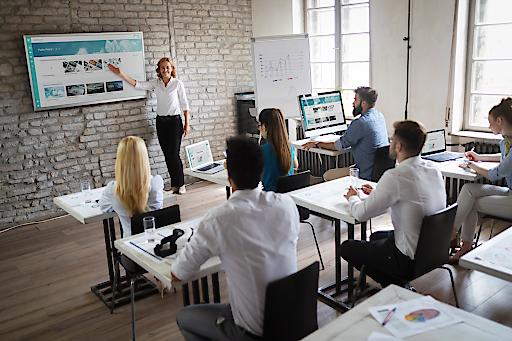BILD zu OTS – Professionelles Präsentieren und Managen will gelernt sein. Aus diesem Grund nimmt die HLW Steyr presono ab Herbst 2020 in den Lehrplan auf. (Bild für Web)