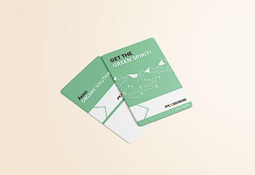 Axess Smart Card ORGANIC, erstes recyclingfähiges Ticket, im Altpapier-Behälter entsorgbar.