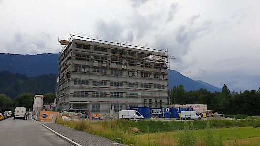 Rohbau SWIETELSKY-Hauptgebäude im Tiroler Zirl anlässlich Firstfeier