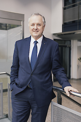 Portrait Vorstandsvorsitzender Dipl.-Ing. Karl Weidlinger (Swietelsky AG)