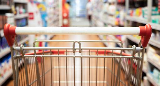 Einkaufswagen im Supermarkt - FMCG