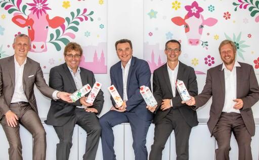 GF Andreas Gasteiger mit den neuen Aufsichtsräten der SalzburgMilch (im Bild v.l.n.r. Alexander Deopito, Robert Leitner, Andreas Gasteiger, Roman Schörghofer und Johannes Lackner )
