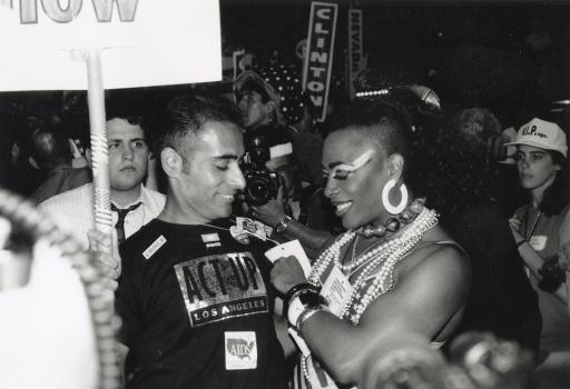 Joan Jett Blakk, At the rear of the Democrats convention floor, 1992. Fotografie von Joe E. Jeffreys. Courtesy der Künstlerin und Joe E. Jeffreys