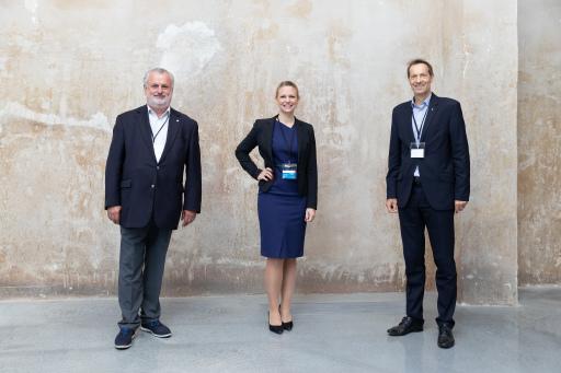 Veranstalterin Iris Einwaller (epmedia Werbeagentur, mi.) und die Mitinitiatoren Peter Engert (ÖGNI, li.) und Wolfgang Kradischnig (Delta Holding, re.)