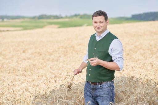 """""""Über 676.000 Hektar Ackerfläche in Niederösterreich sind das Fundament zur Selbstversorgung"""", zeigt Paul Nemecek die große Bedeutung des heimischen Ackerbaus auf."""