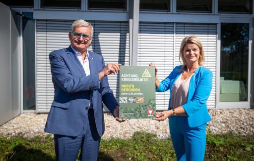 Verteidigungsministerin Klaudia Tanner und Präsident des Österreichischen Gemeindebundes Alfred Riedl