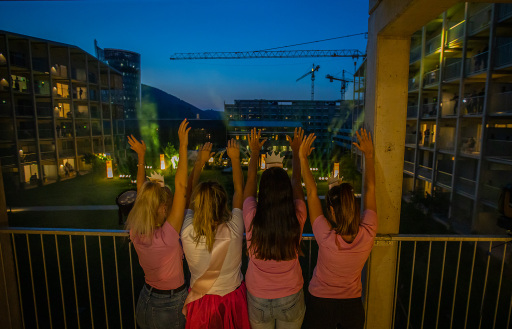 Antenne Housewarming Party - Stimmung am Balkon