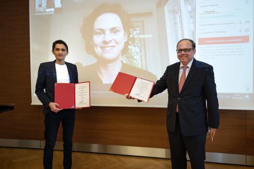 Köksal Baltaci (li.), Nina Horaczek (am Bildschirm, verhindert aufgrund von Terminüberschneidungen) und Ärztekammerpräsident Thomas Szekeres