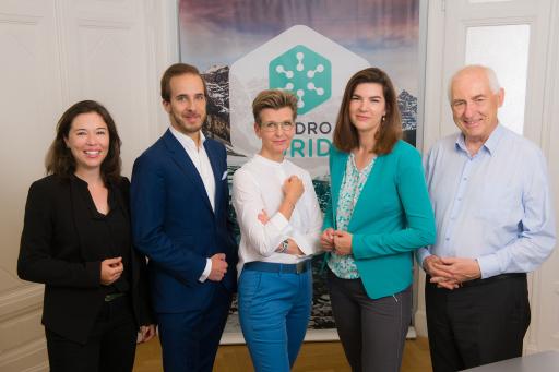 HYDROGRID Managementteam und zwei Investoren