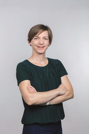 Katharina Schell, Mitglied der APA-Chefredaktion und verantwortlich für digitale Innovation, erzählte im Online-Event APA-NewsInsight am 1. Oktober 2020 über Automated Journalism.