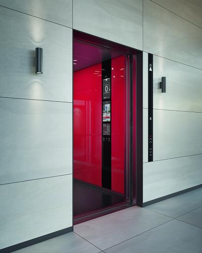 Schindler präsentiert neue, modulare Aufzüge der nächsten Generation. Schindler 5000 mit Linea 800 SmartTouch