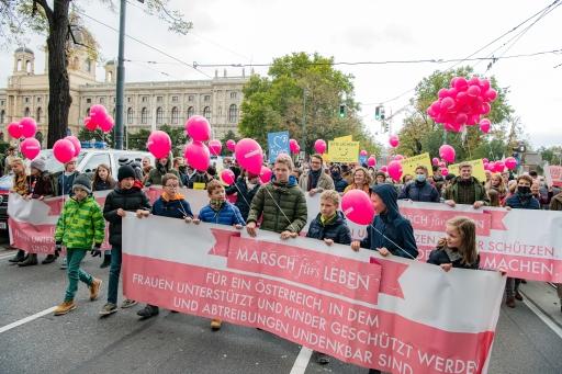 2000 Menschen setzten am Marsch fürs Leben ein Zeichen