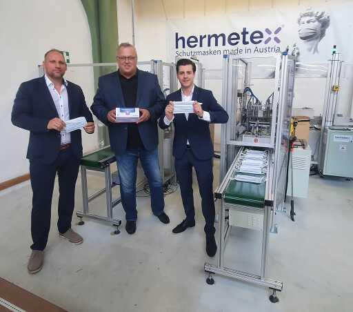 Das Hermetex Team in Wien in der Fabrik