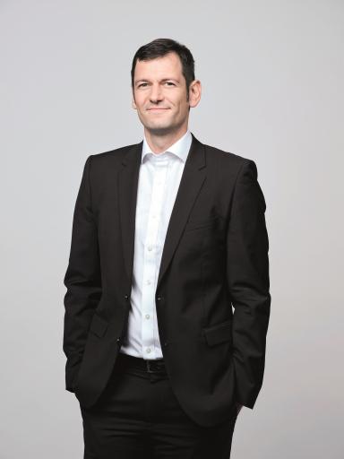 """Im neuen Podcast """"Always On. APA-Tech."""" von und mit APA-IT-Geschäftsführer Clemens Prerovsky diskutieren Branchenexpertinnen und -experten über Trendthemen, Visionen und Innovationen."""