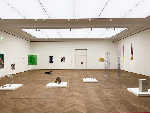 Ansicht der Gruppenausstellung im Leopold Museum
